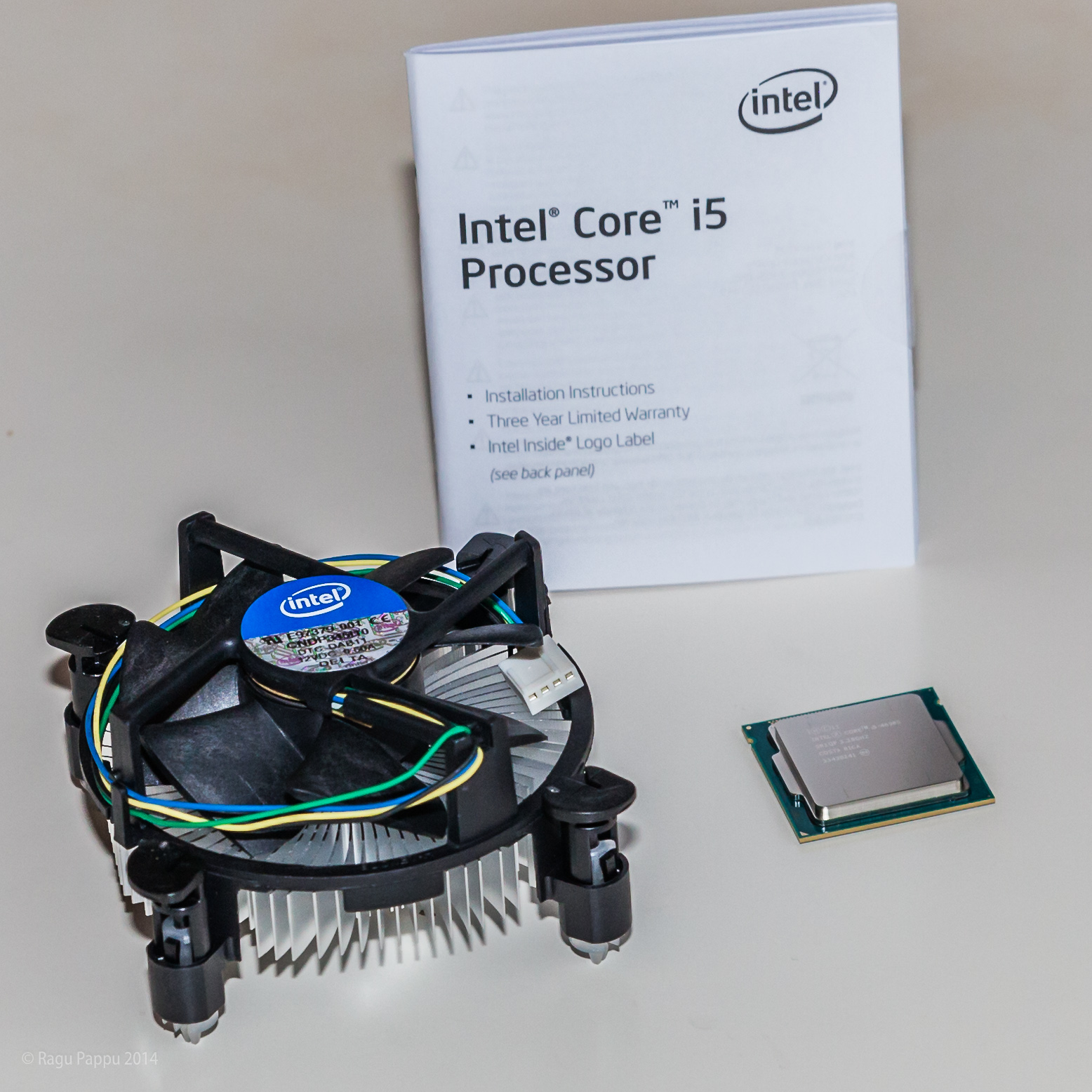 Parts inside Intel Core i5 CPU box